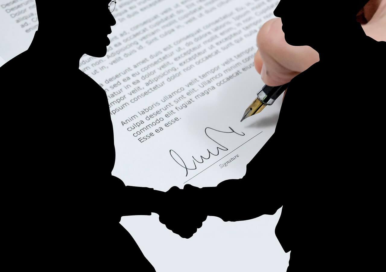コーチ契約